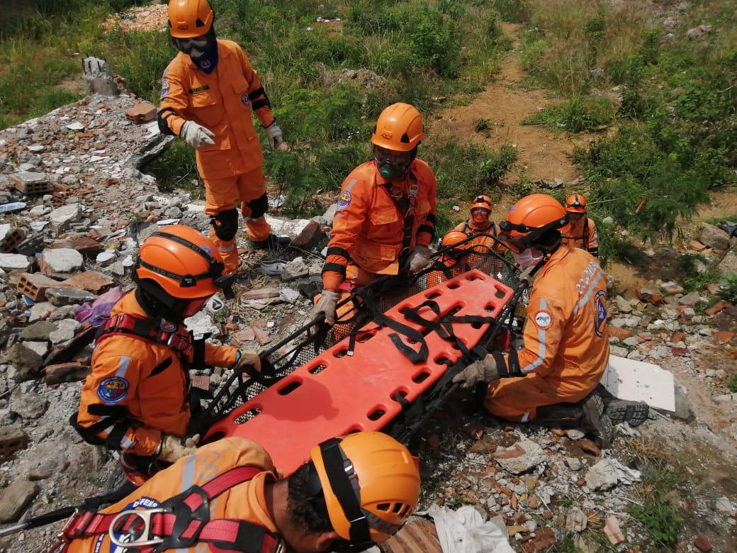 Simulacro de rescate - Defensa Civil